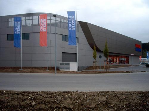Neubau Möbel Rieger in Göppingen   FVHF.de